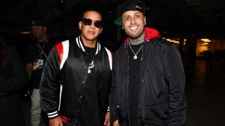 """Daddy Yankee y Nicky Jam cantan en Times Square nuevo éxito """"Muévelo"""""""
