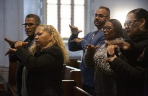 Hispanos sordomudos tienen su iglesia en la ciudad de Nueva York