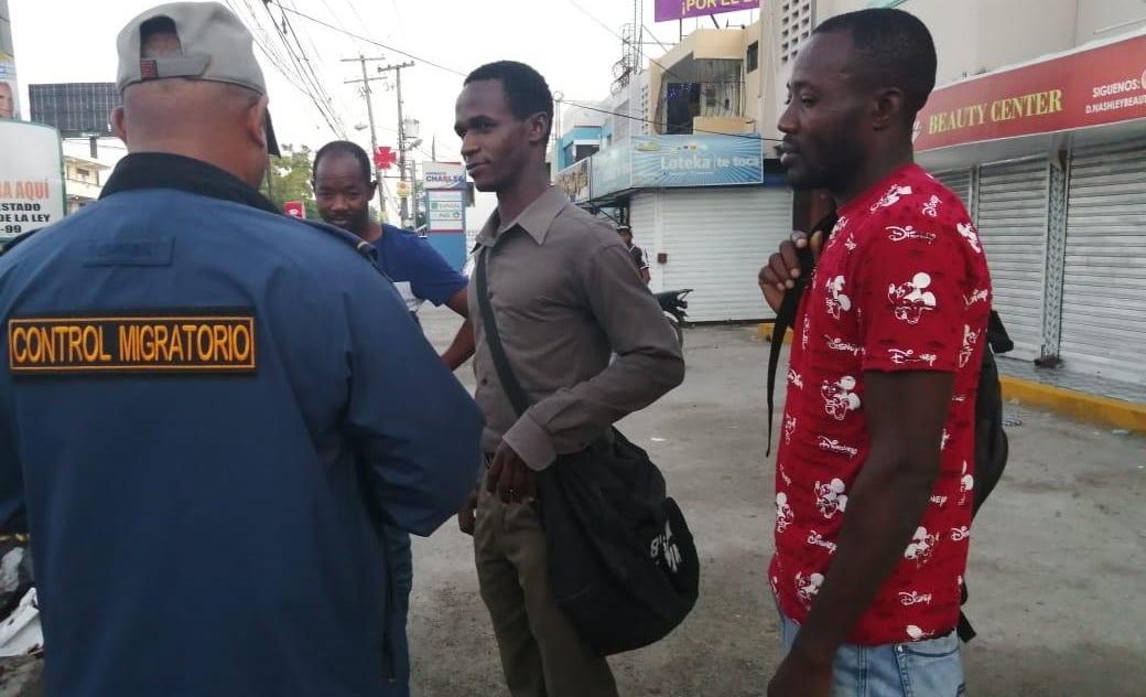 Migración R. Dominicana dice deportó a mil 803 haitianos indocumentados.