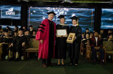 COSTA RICA: Universidad EARTH reconoce a empresaria y estudiante RD