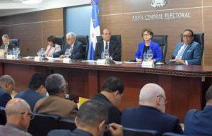 JCE extiende plazo para solicitud de fusiones de candidaturas presidenciales