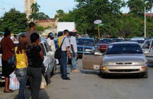 Denuncian trabas a los chinos en el acceso al transporte público RD