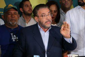 Moreno exige renuncia de jueces de la JCE por la suspensión de comicios
