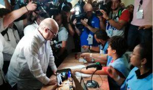 Hipólito, Carolina y Gonzalo fueron primeros en votar en las municipales