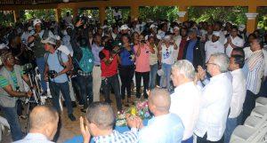 Miguel Vargas recorre Noroeste en apoyo candidatos PRD