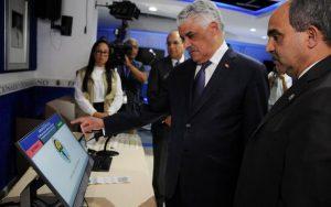Miguel Vargas llama a votar blanco y temprano este 16 de febrero