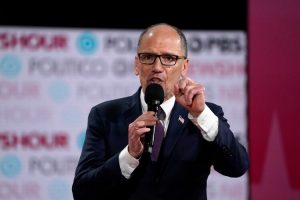 EU: Dominicano Tom Perez pide revisión de los resultados de los caucus de Iowa