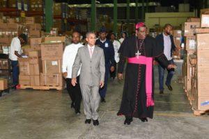 Obispo Jesús Castro resalta labor de Promese/Cal y farmacias populares