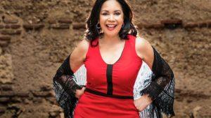 Adalgisa Pantaleón en «La Bohemia de Teresa» en el bar del Teatro Nacional