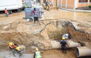Colocan regulador de presión controlará explosiones en tubería Bella Vista