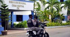 Linchan uno de 3 hombres asaltaron un negocio en Villa González