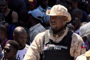 Policía de Haití reedita marcha por mejores condiciones de trabajo