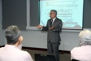 Empresarios Herrera advierten impacto coronavirus en economía