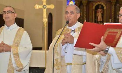 Monseñor Bretón critica actitud de políticos ante situación del país