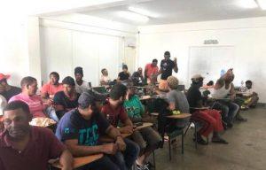 Llegan a la R. Dom. otros 17 estaban presos en Bahamas por pesca ilegal