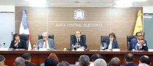JCE amplía plazo alianzas y fusiones a nivel presidencial y congresual