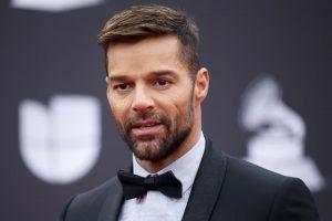 """Ricky Martin pide a los dominicanos """"salir a reclamar lo básico"""""""
