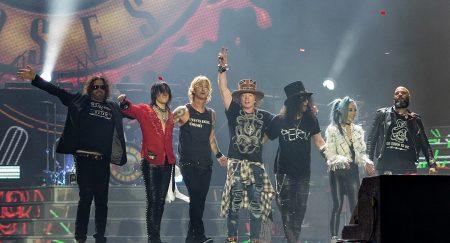 Guns N' Roses aplaza a noviembre su concierto en R.Dominicana