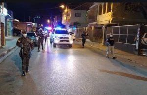 Arrestan otras 1,359 personas que violaron toque de queda en la RD