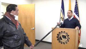 NJ: Alcalde origen dominicano llama población a mantenerse en casa