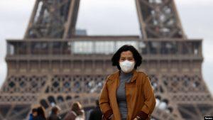 FRANCIA: La Torre Eiffel, Molino Rojo y el Louvre cierran por coronavirus