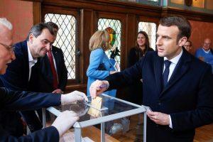 FRANCIA: Población también acude a urnas pese amenaza de coronavirus