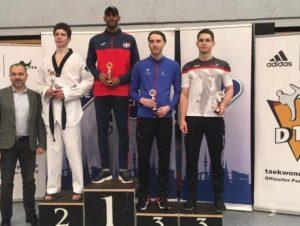 Moisés Hernández y Katherine Rodríguez ganan en Abierto de Taekwondo