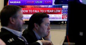 Lunes negro en los mercados; detiene operaciones Wall Street