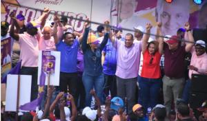 SDN: Cientos participan en caravana de respaldo a Carlos Guzmán