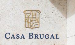 Casa Brugal hace donativo alcohol para desinfectar centros de salud