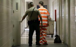 Liberarán presos para reducir contagios en cárceles de NY