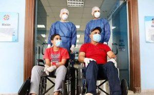 Dieron de alta a los tres primeros pacientes de coronavirus en el país