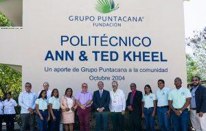 Peña Mirabal visita centros educativos auspicia el Grupo Puntacana