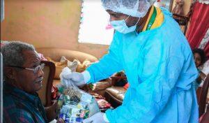 Gobierno de RD entrega alimentos a adultos mayores debido a Covid-19