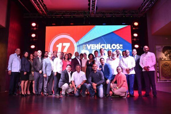 Programa Vehículos en la Radio celebra 17 aniversario
