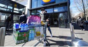 ITALIA: Llaman a rebelarse contra cuarentena y saquear supermercados