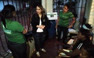 SDE: Directora de DIGEPEP visita núcleos de alfabetización