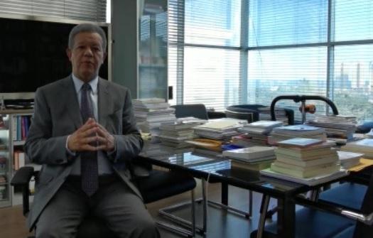 Leonel Fernández propone congelar precios artículos primera necesidad