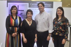 "Mary Frances Attías Atún inaugura exposición ""Camino de Santiago"""