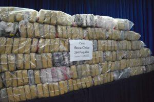 DNCD y la Armada arrestan a cuatro y decomisan 264 paquetes de cocaína