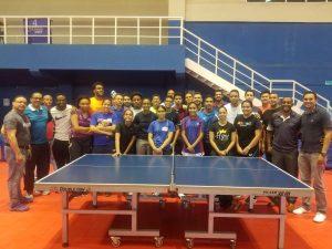 Emil Santos y Esmerlin Castro lideran primera eliminatoria tenis mesa