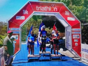 Camila Romero gana oro en Copa Panamericana de Triatlón Costa Rica