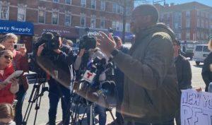 Con manifestación exigen libertad de dominicana apresada por Inmigración