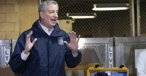 """Alcalde NY: es """"inconcebible"""" salir de la crisis del coronavirus en abril"""