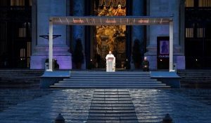 El Papa bendice al mundo por coronavirus, ve todo se ha oscurecido