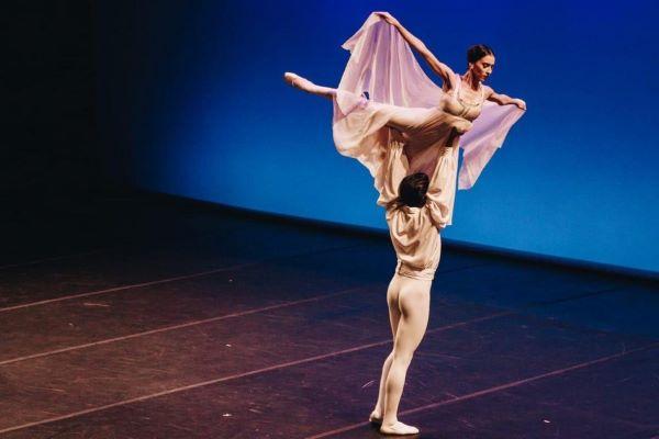 """Posponen espectáculo """"Noche azul: Estrellas de la Danza Mundial"""""""