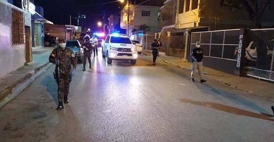 La Policía arrestó a mil 218 personas violaron anoche el toque queda en RD