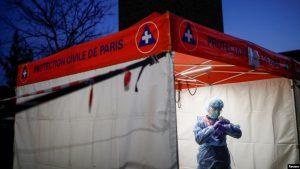 FRANCIA: Sangre de gusanos podría ayudar a pacientes de COVID-19