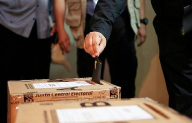 Dominicanos en el exterior son más en el padrón, pero votan menos