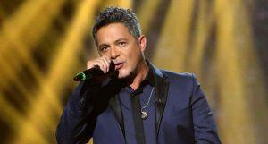 Alejandro Sanz reprograma para noviembre su gira de conciertos